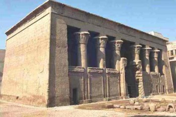 Visit Esna from Luxor tour