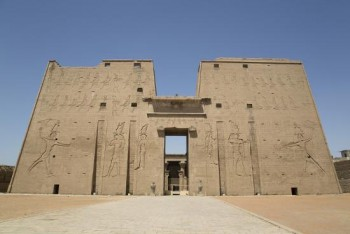 08 Days Easter Cairo Pyramids and Ancient Egypt by Train